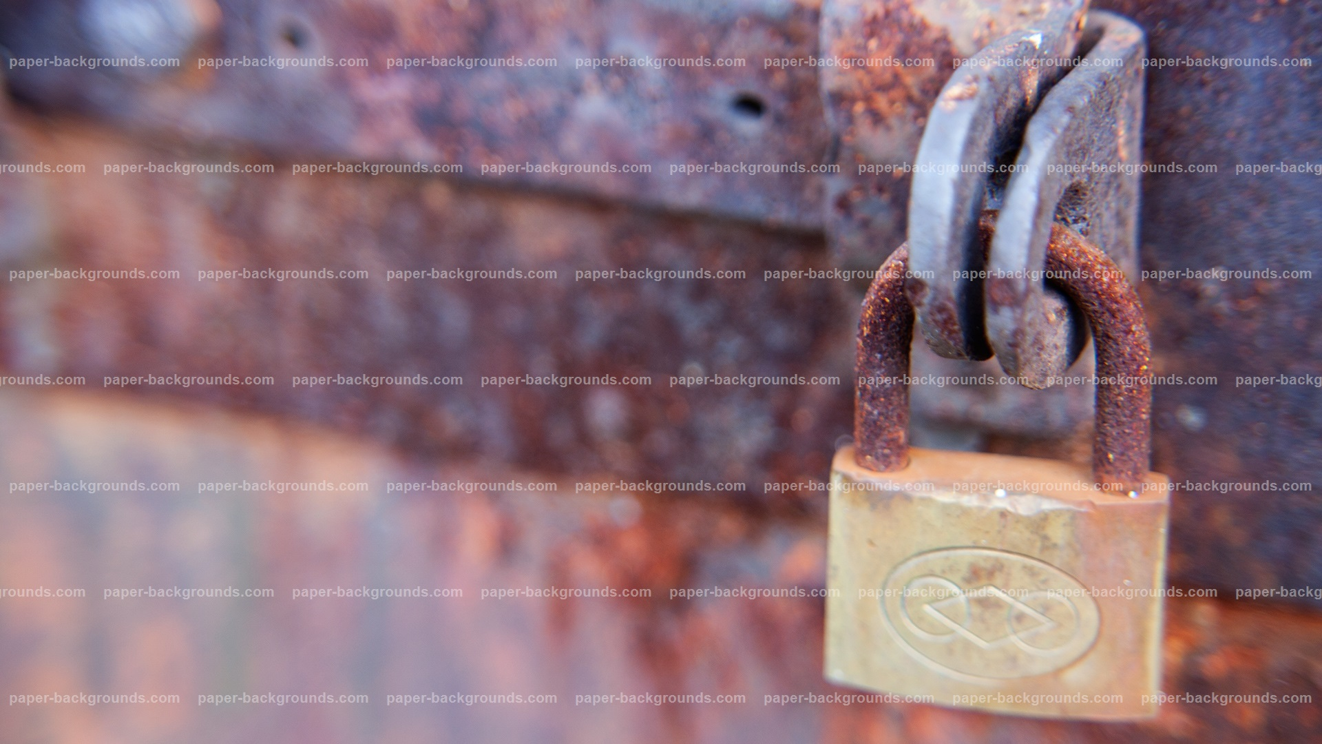 Old Rusty Gate With Rusty Lock HD